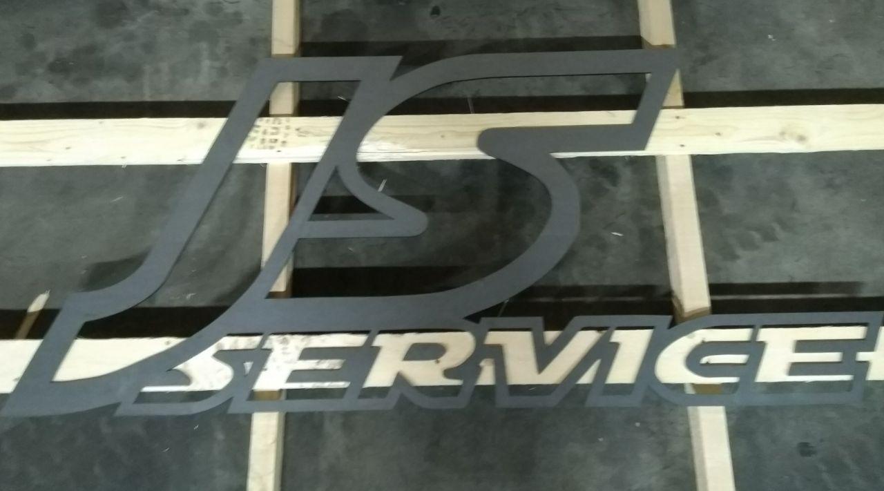 Logo + Uitgesneden letters